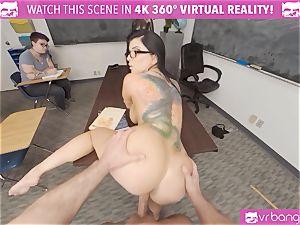VRBangers instructor Romi Rain Getting tucked By A fellow