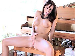 Chanel Preston do rigid jilling off on chair