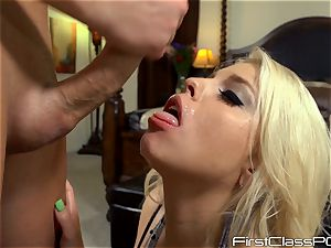 jizzed lover Britney Amber gobbles on man sausage