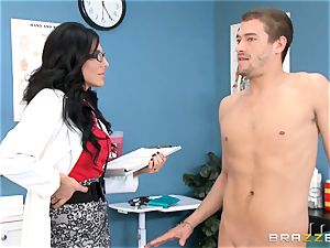 physician Jaclyn Taylor humps her patient all better