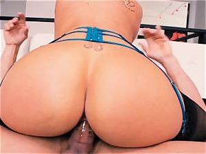 splendid blonde Olivia Austin gets a vag full of fuck-stick
