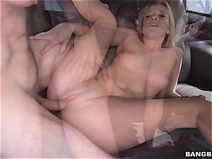 Bailey Brooke nailed on the Bangbus