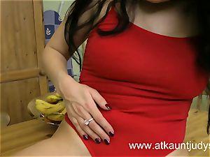 Sophia Delane looks torrid in her undergarments