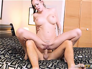 Bad wife Kelly Summer cheats with a boy motel client