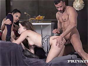 Apolonia and Zoe woman Are penalized With a 3some