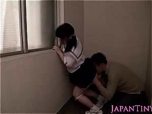 hot chinese damsel gets her jiggly poon pleased with playthings