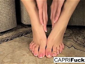 Capri plays with her cooch and soles