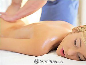 gorgeous Lola rails a wood after a super-hot massage