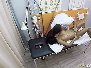 mischievous Latina drills the physiotherapist