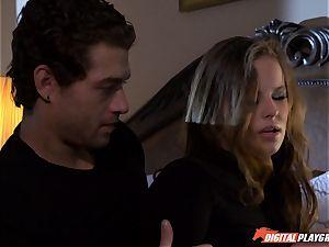 Jillian Janson breaks into folks mansion and gets beaten