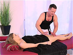 scorching sister poked by her massagist brutha