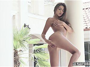 magnificent Maria Rya
