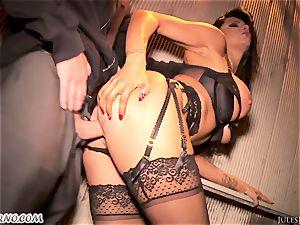 Romi Rain - impressive sizzling first-timer porno in the street