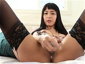 sex industry star Marica displays off her fresh silver magic wand