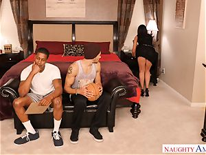 India Summers three way game