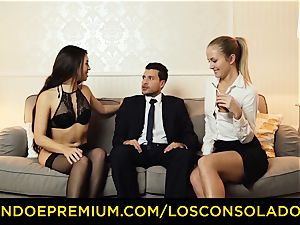 LOS CONSOLADORES - super-hot babes instruct romp with executive