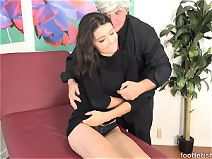 Adria Rae Gives a Footjob and Gets a cum-shot on Toes