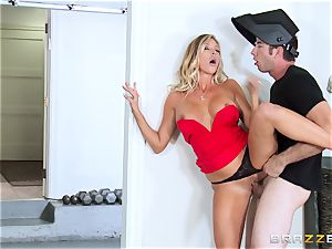 super hot wife Samantha Saint penetrates her hubbies brother