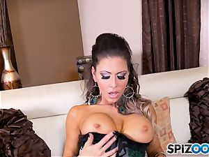 black-haired beauty Jessica Jaymes messes with her stellar minge